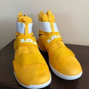 2bb78d9c899 Nike Lebron Soldier 10 TB Basketball Shoes Size 16 ...